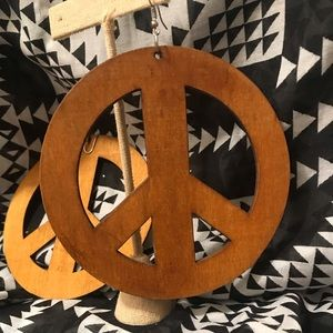 Jewelry - Vintage Peace ✌🏻 Sign Earrings